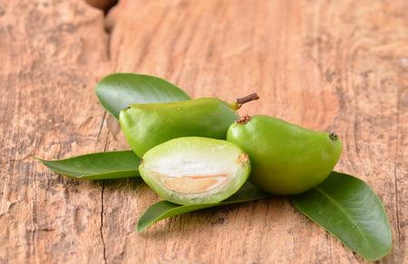 thai herb: Fresh garcinia sour flavor lots of vitamin C the tropical Thai herb. (Garcinia schomburgkiana Pierre.).