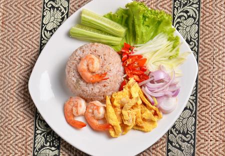 thailand food: Thai shrimp fried rice serves on the dish