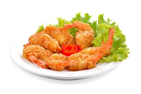 camaron: Bola de camarones fritos en el fondo blanco. Foto de archivo
