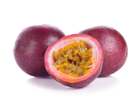Passion fruit isolated on white background. Banque d'images