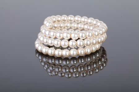 jewelery pearls photo