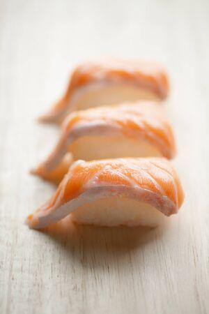 groupings: Sushi di salmone Archivio Fotografico