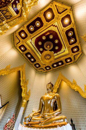 wat traimit: Pure Gold Buddha Image at Wat Traimit, Bangkok, Thailand Editorial