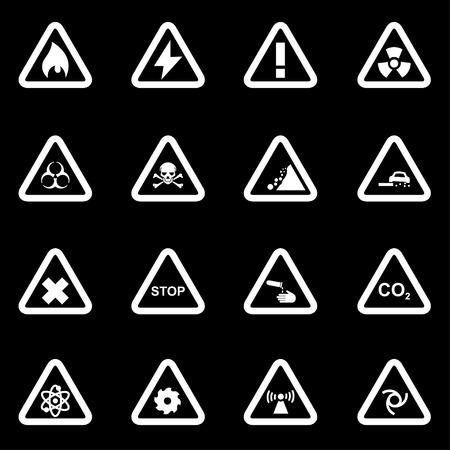 peligro: Conjunto blanco del icono de peligro establecido en el fondo negro Vectores