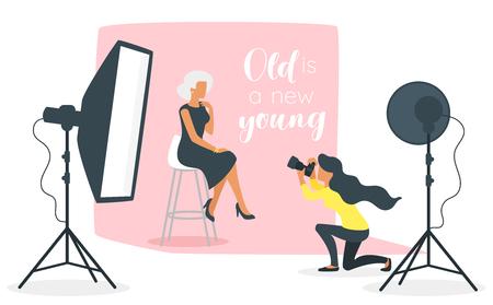 Illustrazione di stile piano di vettore di attrezzatura fotografica in studio fotografico con luci e fotocamera. Anziano vecchio modello di bella donna seduta in posa per le foto. Design minimalista con sagome di persone.