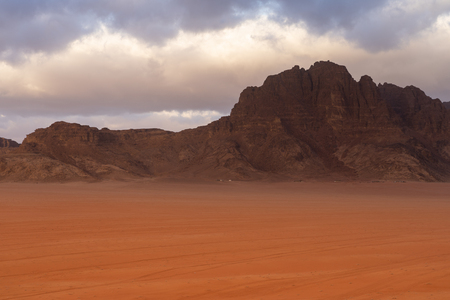 Wadi Rum desert in Jordan in a morning, Jordan, Middle east, Asia 版權商用圖片