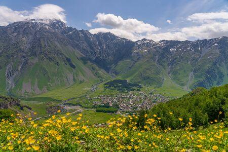 Kazbegi  village in summer season, small village surrounded by Caucasus mountain range in Georgia, Asia 版權商用圖片