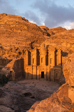 The Monastery or Ad Deir in Petra ruin and ancient city at sunset 版權商用圖片