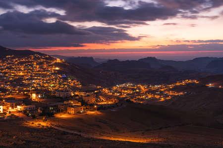 Cityscape of Petra or Wadi Musa city at night, Jordan, Arab, Asia 版權商用圖片