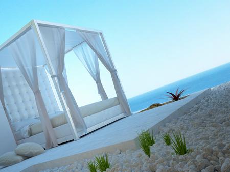Sonnige Terrasse mit Meerblickansicht und außerhalb Bett Standard-Bild - 25065606
