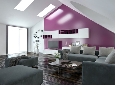 벽 캐비닛과 TV가있는 마루 바닥과 현대적인 회색 라운지 스위트 위의 채광과 보라색 악센트 벽 현대 아파트 거실 인테리어와 경 사진 천장