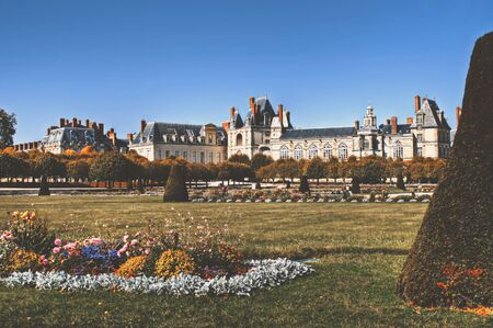 french culture: View of the Chateau de Fontainebleau and its huge park, situated close to Paris it introduced the Mannerist style of architecture to France and is the largest royal chateau