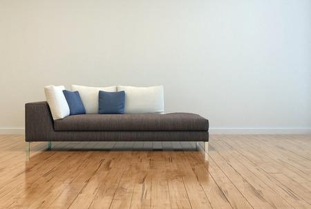 Attraktive Grau Sofa mit wei� und blau Kissen auf Leere Lounge Room mit Off White Wall Background und gl�nzende Holzboden-Design.