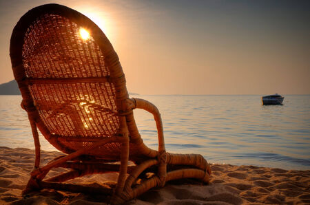silla playa: Silla de playa en la playa Foto de archivo