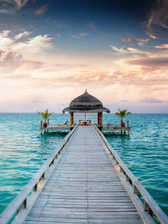 Anlegestelle auf den Malediven Standard-Bild - 40913540