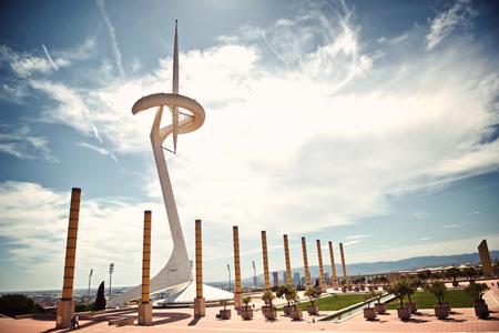deportes olimpicos: Vista del paisaje escénico de la Torre Calatrava, Barcelona, ??España, construido como una torre de comunicaciones para los Juegos Olímpicos 1992