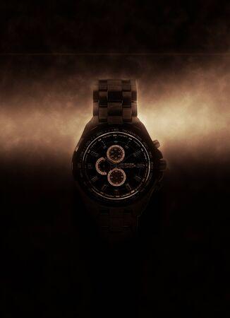 cronógrafo: Luxury Design Negro Reloj Cronógrafo dramáticamente iluminado de lado sobre fondo oscuro con efecto brillante