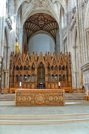 winchester: WINCHESTER, UK - FEBRUARY 07: The choir and a small altar inside Winchester Cathedral. February 07, 2016 in Winchester, UK Editorial