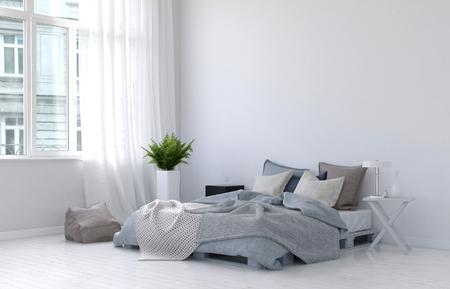 Große Flügelfenster mit weißen Vorhängen, Farnanlage, Nachttisch, Lampe und Bodenkissen neben ungemachtes Bett. 3D-Rendering.