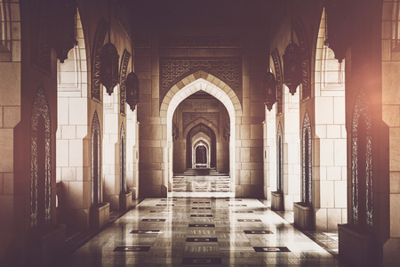 muscat: Archway inside of Grand Mosque of Muscat, Sultanate of Oman