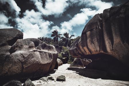 Der Strand und die umgebenden Felsen bei Anse Source d'Argent, Seychellen