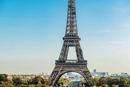 Tour Eiffel (Eiffelturm) in Paris, Frankreich, Europa