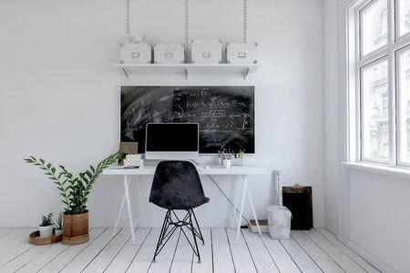Oficina blanca monocromática moderna con pizarra encima de una pequeña mesa de escritura con computadora de escritorio sobre tarimas pintadas debajo de una ventana grande. Representación 3d Foto de archivo