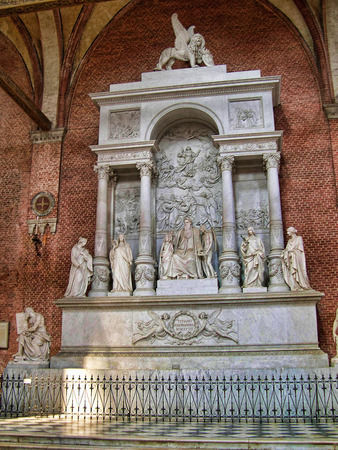 clock of the moors: The Tomb of Tintoretto in Venice Italy