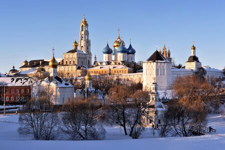 Sergiev Posad monastery (lavra) at sunny winter day 版權商用圖片