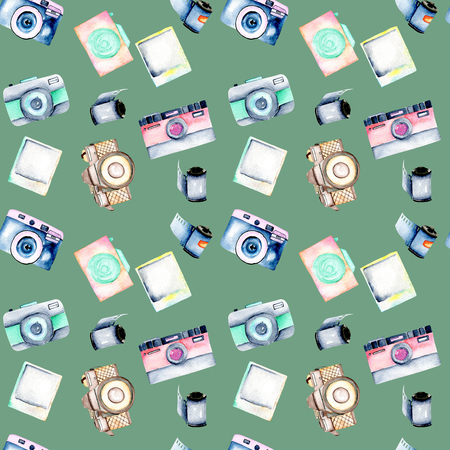 Seamless pattern with watercolor retro cameras, snapshots and films, hand drawn isolated on a green background Stok Fotoğraf