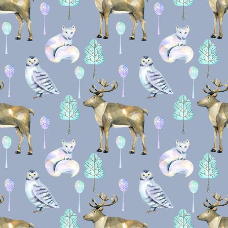 Akvarel polární jeleny, arktické lišky a sovy v lese bezproblémové vzorek, ručně malované na modrém pozadí