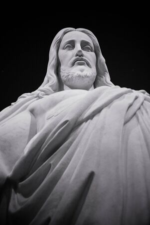Looking up a the face of a statue of Jesus Christ 免版税图像