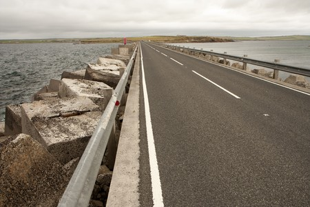 breakwater: Bloques de rompeolas a Churchill barreras, las Islas Orcadas  Foto de archivo