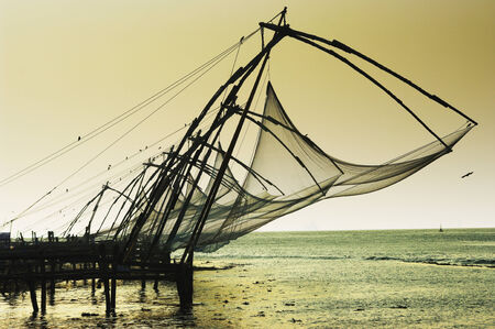 india fisherman: chinese nets in Kerala