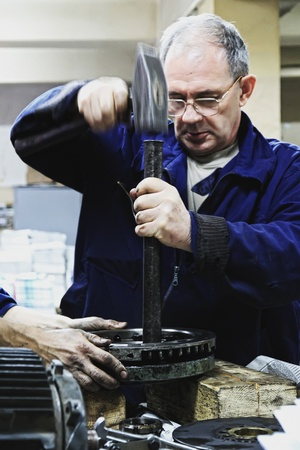 vuile handen - monteurs aan het werk 11