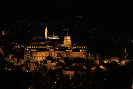boedapest koninklijk kasteel nightshot