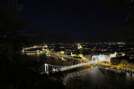 Nacht van Boedapest schot stadsbeeld