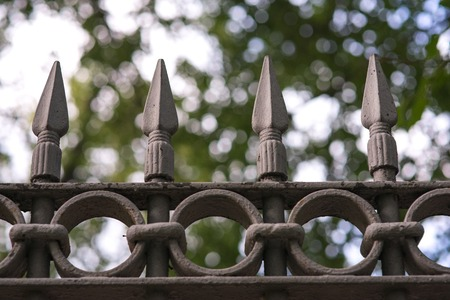 black metal fencing with a sharpen spear tip top