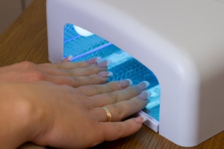 Fixing nails in ultraviolet