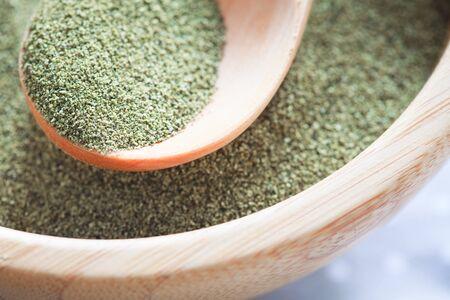 Kelp (algae) green powder healtly superfood Banque d'images