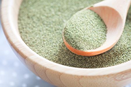 Kelp (algae) green powder healtly superfood Standard-Bild