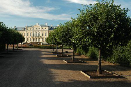 rundale: Rundale Palace con vicolo, Pilsrundale, Bauska regione, la Lettonia