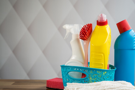 Kit for cleaning