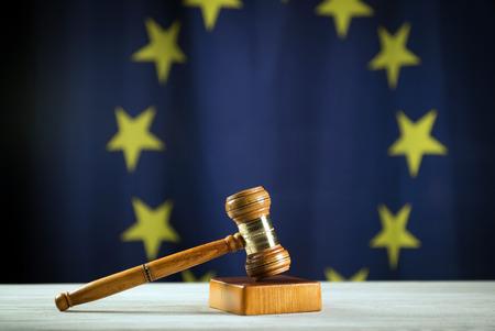 Judges hammer, eu flag