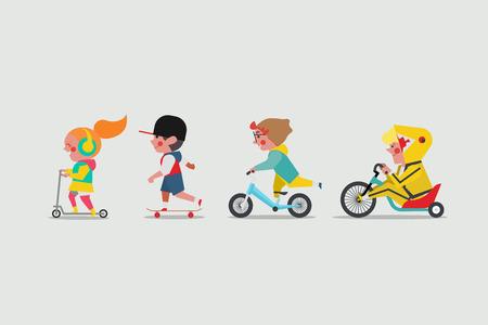Kinderen buiten spelen. Meisje speelt scooter. Jongens spelen skateboard. Jongen die evenwichtsfiets en Vette jongen berijdt die een lowrider Drift Trike-fiets berijden