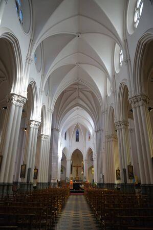 belgien: Interior of catholic church in Brussels