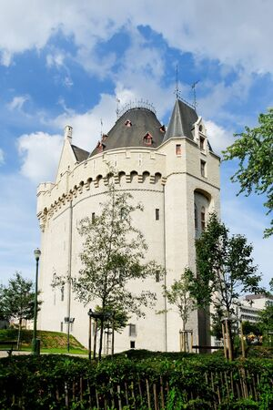 castle in brussels on porte de hal station