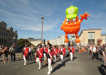 defile: BRUSSELS, BELGIUM-SEPTEMBER 8: Defile of giant cartoon characters in Balloons Day Parade arrive to Place de lAlbertine on September 8, 2012 in Brussels.  Editorial