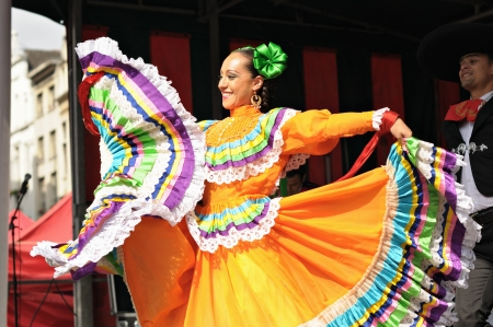 BRUSSELS, BELGIUM-SEPTEMBER 15: Xochicalli Mexican folkloric ballet performs in a concert on Grand Place during 12 edition of Folklorissimo Festival on September 15, 2012 in Brussels.