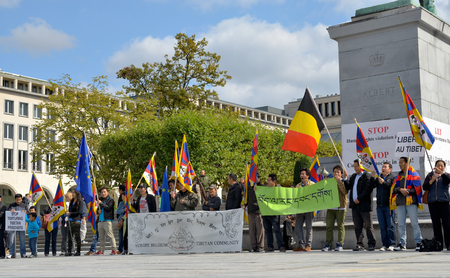 lamaism: BRUSSELS, BELGIUM - SEPTEMBER, 15: Activists of Tibetan Community demonstrate for freedom of Tibet on Place de lAlbertine on September 15, 2013 in Brussels.  Editorial